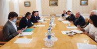 Встреча министра культуры Кайрата Иманалиева с Михаилом Швыдким