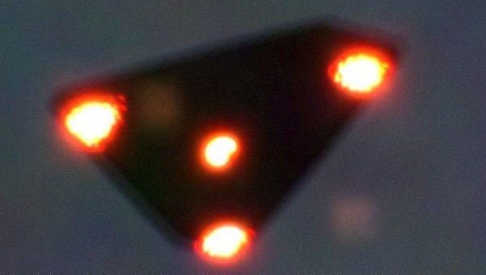 1990-жылы Бельгияда тартылган үч бурчтуу НЛО