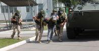 Кант авиабазасынын аскерлери терроризмге каршы окутуулардын жүрүшүндө барымтадагыларды бошотту