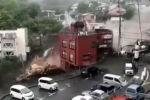 В японском городе Атами (префектура Сидзуока) сошел мощный оползень, в результате чего около 20 человек числятся пропавшими.