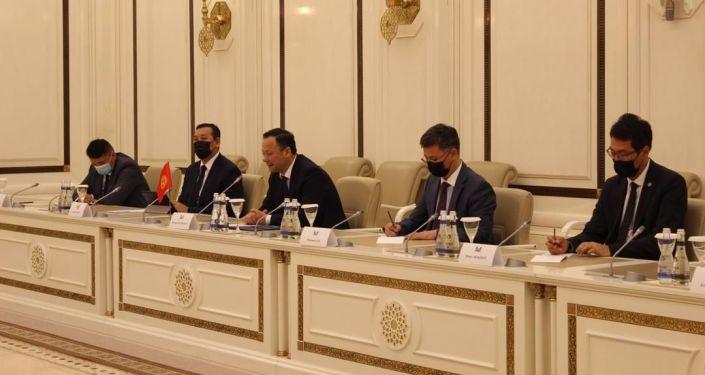 Министр иностранных дел Кыргызстана Руслан Казакбаев в Баку