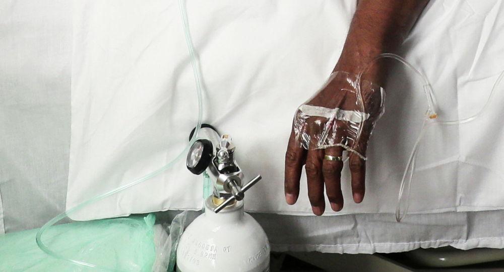 Пациент проходит лечение во время вспышки коронавирусной болезни (COVID-19) в Йоханнесбурге. Архивное фото