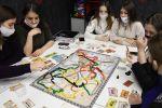 Студенты во время занятий в коворкинг-пространстве для проведения деловых игр Забайкальского института железнодорожного транспорта (ЗабИЖТ) в Чите.