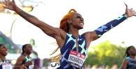 Ша'Карри Ричардсон празднует победу в беге на 100 метров среди женщин с результатом 10,86 во время соревнований олимпийской сборной США на стадионе Хейворд в Юджине, штат Орегон. США, 19 июня 2021 года