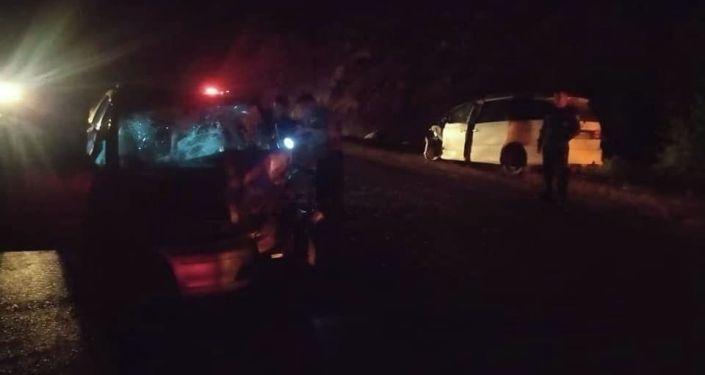 Столкновение автомашин марки Honda Odyssey и Estima на 373 км трассы автодороги  Бишкек-Ош. 11 июля 2021 года