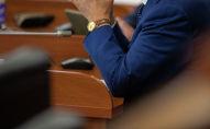Депутат Жогорку Кенеша на заседании. Архивное фото