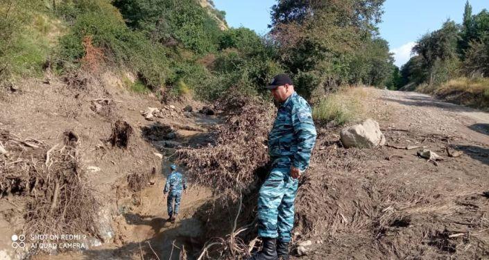 Поисковые работы на месте сходя сели в селе Жаны-Жол Джалал-Абадской области