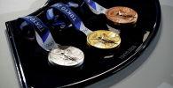 Медали для призеров XXXII летних Олимпийских игр в Токио. Архивное фото