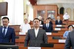 Депутаты Жогорку Кенеша во время третьей чтении проект Закона О внесении изменений в Закон «Об электрической и почтовой связи