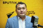 Глава представительства Фонда ООН в области народонаселения в КР Азамат Баялинов во время беседы на радио Sputnik