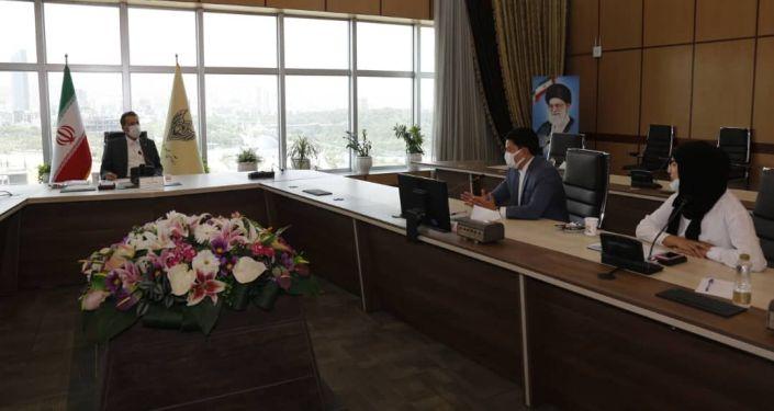 Встреча руководителя Железных дорог Исламской Республики Иран Саида Расули и президента Кыргызского союза промышленников и предпринимателей Данила Ибраева в Тегеране