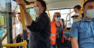 Мобильные группы Бишкекского троллейбусного управления провели рейд по соблюдению санитарно-эпидемиологических норм в салоне троллейбусов