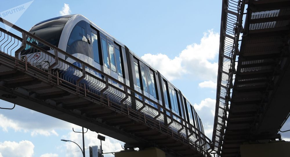 Поезд үчүн курулган монорельс системасы. Архивдик сүрөт
