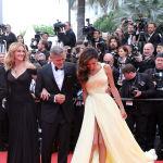 Актерлор Жулия Робертс, Жордж Клуни жана анын жубайы Амаль. 2016-жылы Канн фестивалында тартылган сүрөт.