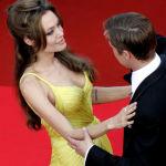 Актерлор Анжелина Жоли менен Брэд Питт. Канн фестивалында 2007-жылы тартылган сүрөт.