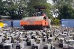 В Малайзии полицейские использовали асфалтоукладочный каток для уничтожения больше тысячи ASIC-майнеров — специализированных компьютеров для майнинга криптовалют.