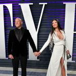 Ошеломительный успех ему принесли боевик Три икса и серия фильмов Форсаж.  На фото: Вин Дизель (слева) с Палома Хименес на вечеринке Vanity Fair Oscar Party 2019.