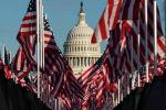 Флаги США на фоне Капитолия. Архивное фото