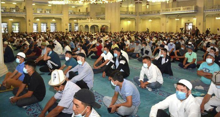 Проведение праздничного айт намаза в Республиканскую мечеть имени имама Аль-Сарахси