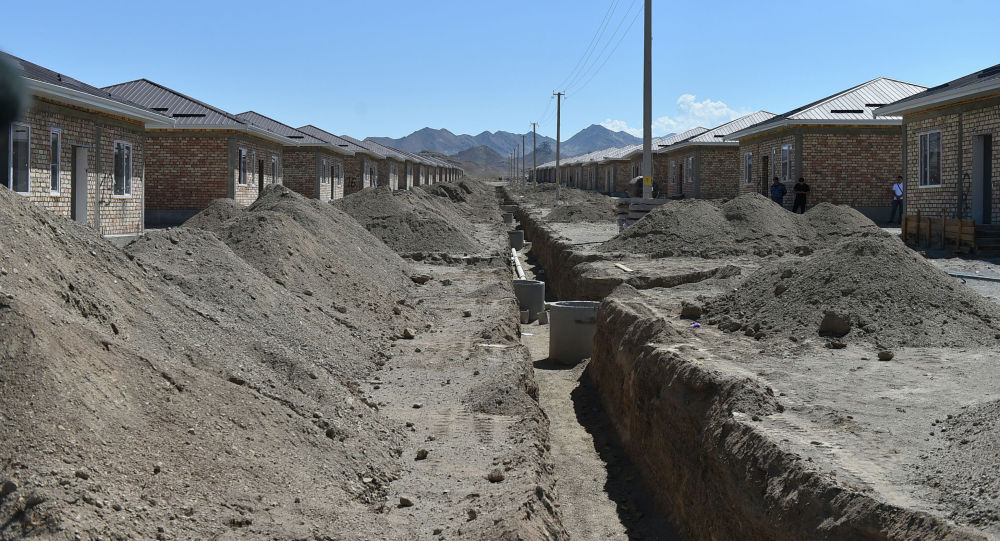 Ход строительства домов для 36 семей, в которых есть погибшие в результате конфликта на кыргызско-таджикской границе