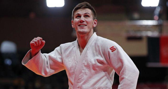 Дзюдоист Владимир Золоев выиграл бронзовую медаль