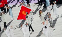 Кыргызстандын курама командасы Токиодогу олимпиаданын ачылыш аземинде