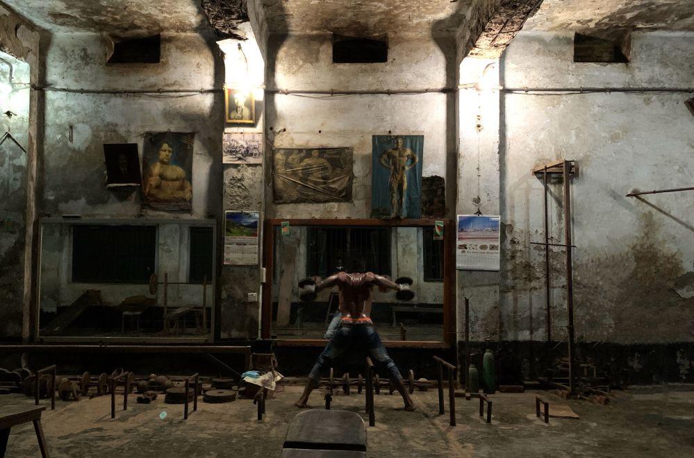 Кадр Старый спортзал фотографа из Бангладеш Mahabub Hossain Khan победил в номинации Стиль жизни
