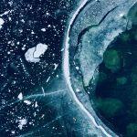 Снимок Замерзшие линии итальянского фотографа Matteo Lava занял третье место в номинации Абстракция