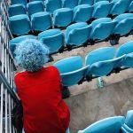 Кадр Черное лето, синий Монтень австралийского фотографа Christian Horgan занял первое место в номинации Люди