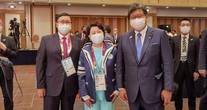 Министр культуры, информации, спорта и молодежной политики Кайрат Иманалиев встретился с министрами спорта во время Олимпийских игр 2020 года в Токио. 25 июля 2021 года