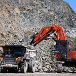 Карьерный самосвал на территории Таласского золоторудного комбината в Кыргызстане
