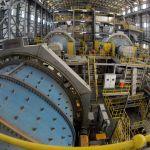 В цехе по обработке руды на территории Таласского золоторудного комбината в Кыргызстане
