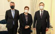 Встреча министра иностранных дел КР с послами Германии и Франции