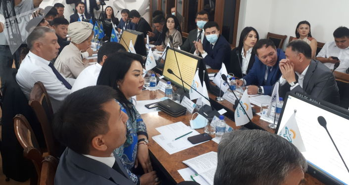 Депутаты Бишкекского городского кенеша собрались на первую сессию. 30 июля 2021 года