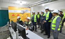 Председатель Кабинета Министров КР Улукбек Марипов в ходе рабочей поездки в Таласскую область ознакомился с деятельностью золоторудного комбината на месторождении Джеруй