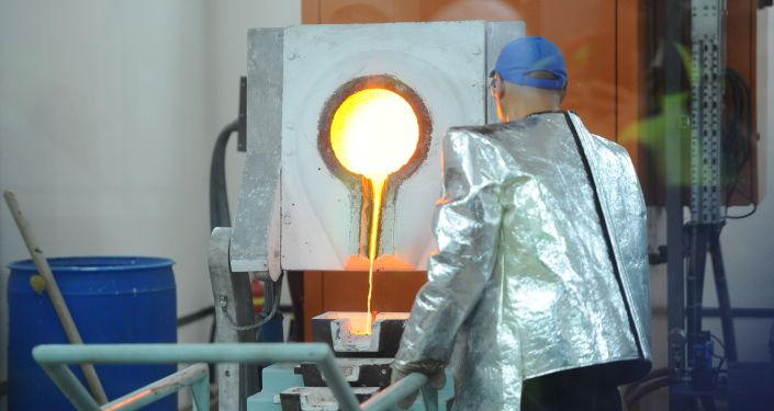 Работа комбината на золоторудном месторождении Джеруй в Таласской области