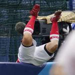 Игрок в софтбол Ю Ямамото упала за ограждение во время одного из эпизодов