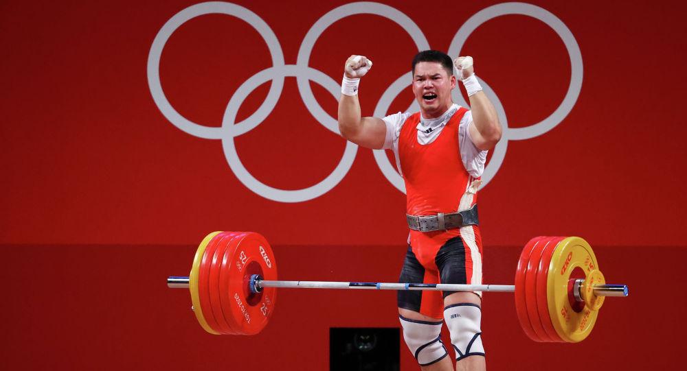 Кыргызстанский тяжелоатлет Бекдоолот Расулбеков занял шестое место на Олимпийских играх в Токио.