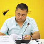 Исполнительный директор Ассоциации рынков, предприятий торговли и сферы услуг Кыргызстана Артур Ташибеков на брифинге в пресс-центре Sputnik Кыргызстан