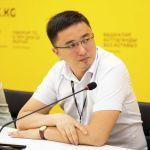 Эксперт Антикоррупционного делового совета при президенте Айдарбек Мамбеткадыров на брифинге в пресс-центре Sputnik Кыргызстан