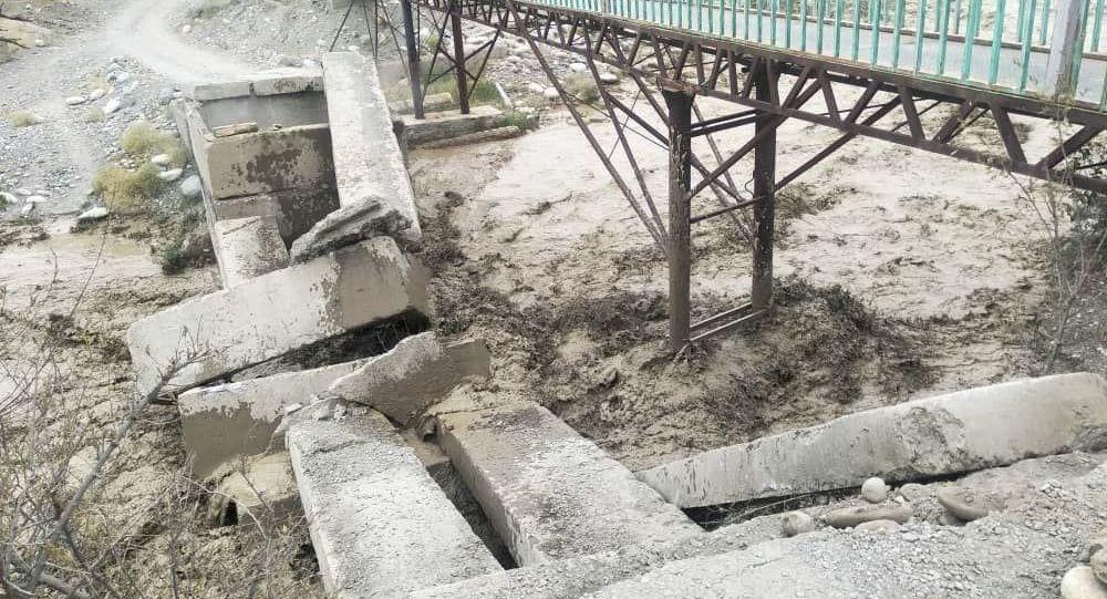 Прорыв горного озера Акпай в Чуйской области
