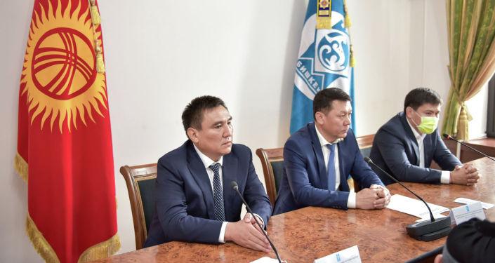 Сегодня, 2 августа, Таалайбека Сарыбашова активу Бишкека представил заведующий отделом организационно-инспекторской работы и взаимодействия с регионами администрации президента КР Жаныбек Жалалов