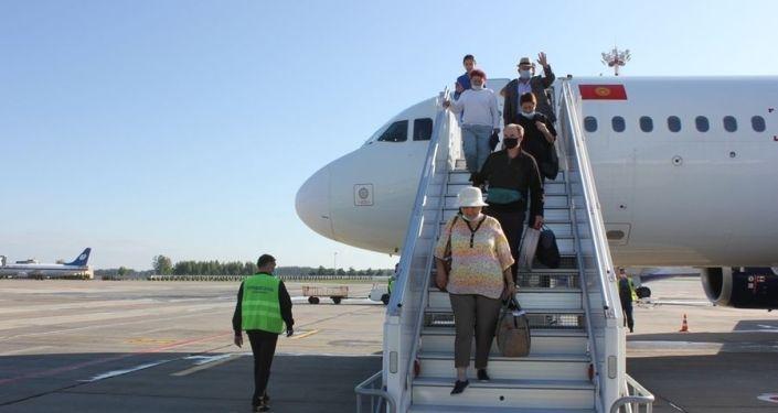 В Национальном аэропорту Минска торжественно встретили первый регулярный рейс из Бишкека. 03 августа 2021 года