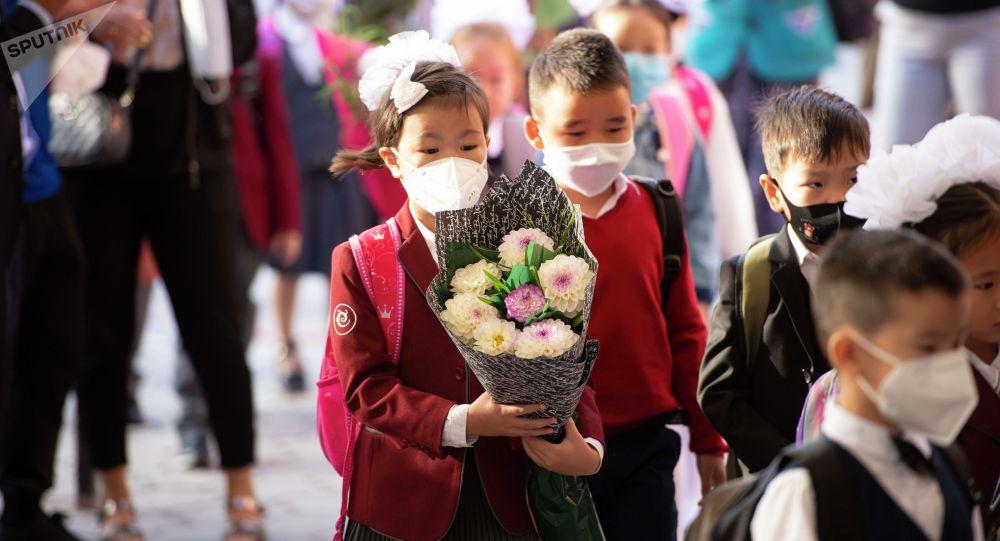 Начало учебного года в Бишкеке. Архивное фото