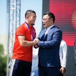 Президент Садыр Жапаров Махмудовдун күрөштөгү өзгөчө ыкмасына баа берди