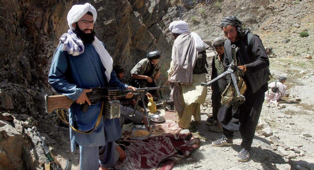Талибан уюмунуну согушкерлери. Архивдик сүрөт