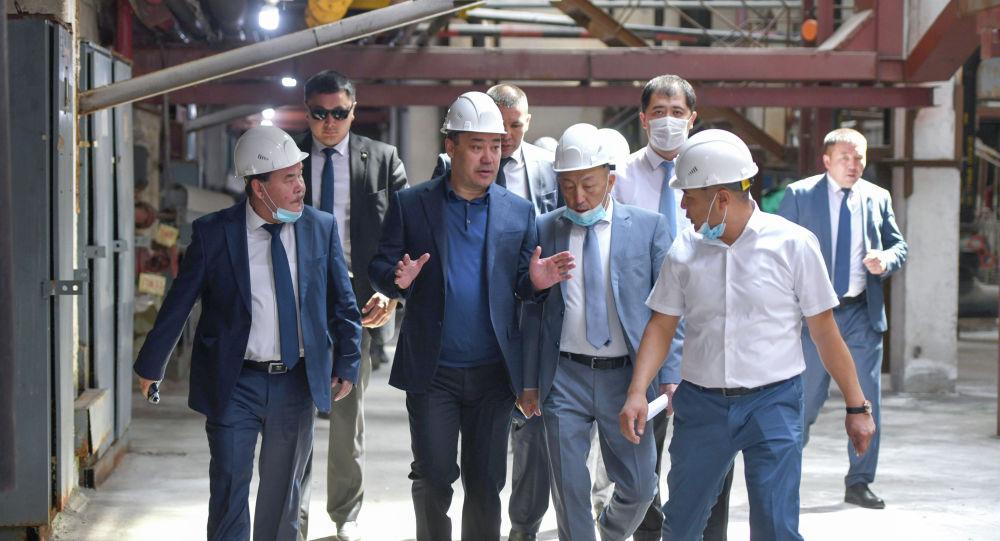 Президент Садыр Жапаров Бишкектеги ТЭЦ-2нин абалы менен таанышты