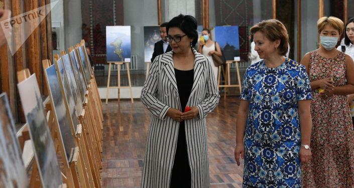 Заместители министров культуры России и Кыргызстана — Ольга Ярилова и Салтанат Аманова