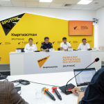 На фоне участившихся в Кыргызстане смертельных ДТП президент Садыр Жапаров поручил усилить контроль за движением на дорогах. Позже ГУОБДД сообщило, что чаще всего виновниками аварий становятся граждане, получившие водительские права тем или иным способом без полного обучения в автошколе.