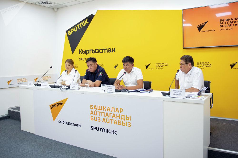 О качестве образования в автошколах республики на брифинге в пресс-центре Sputnik рассказали чиновники и эксперты